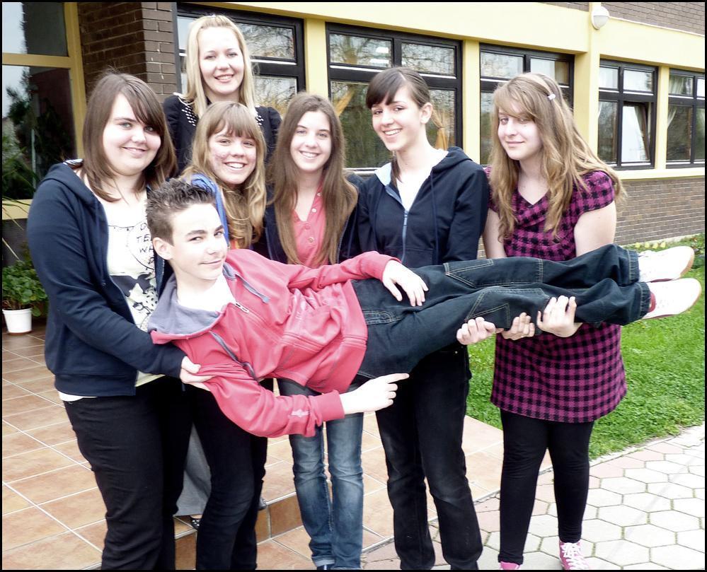 Brojevi cura - Lijepe djevojke - ininrehan - Blog.hr