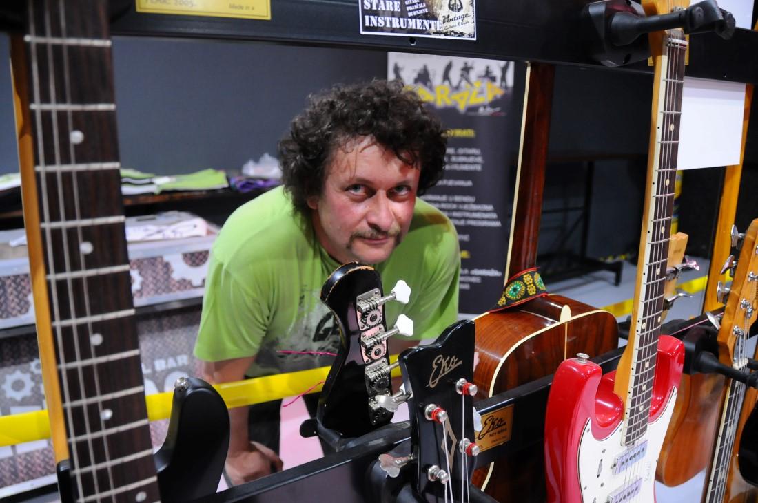 Upoznavanje starih gibson gitara