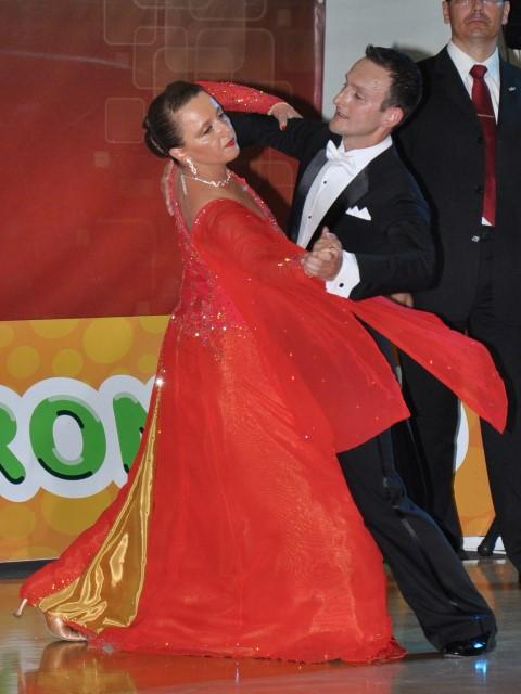 plešući sa zvijezdama plesačima koji izlaze