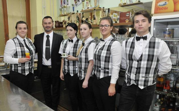 Budući konobari imaju što naučiti od novopečenog učitelja Gorana Žižeka